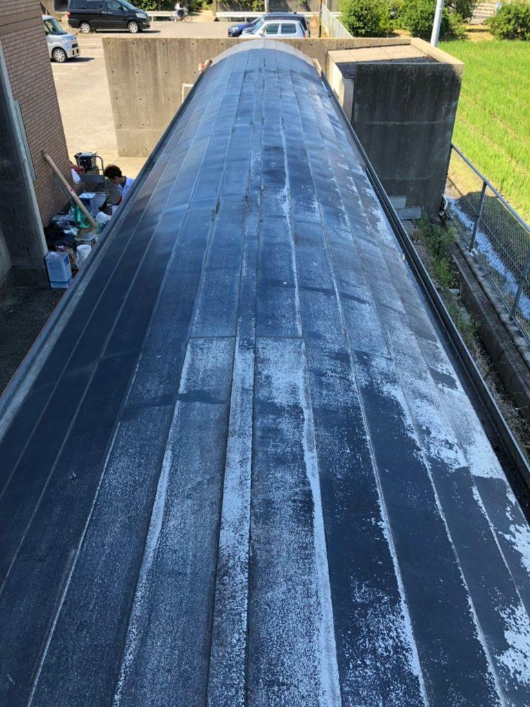 自転車置き場の屋根の塗装前