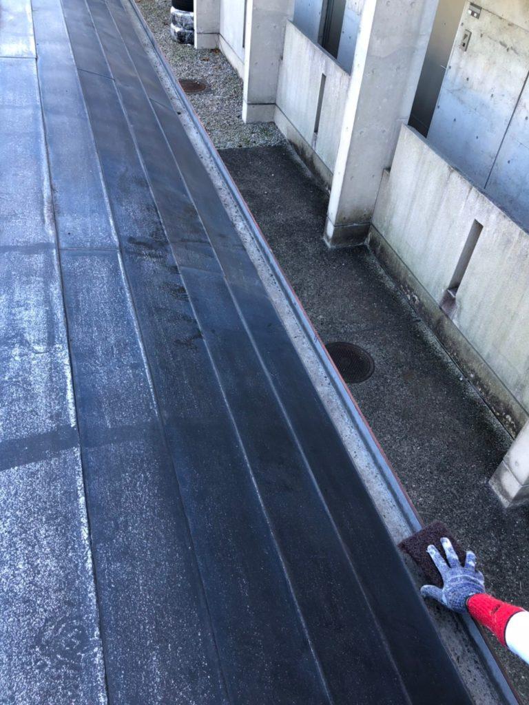 屋根のケレン施工