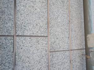 シーリングが劣化して傷んだ外壁