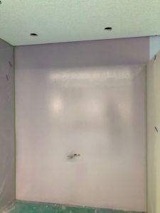 ホワイトボードになった壁
