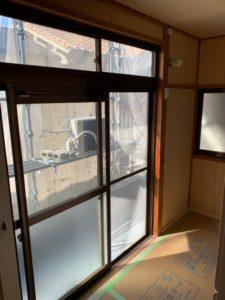 桟の塗装(大きなガラス戸)
