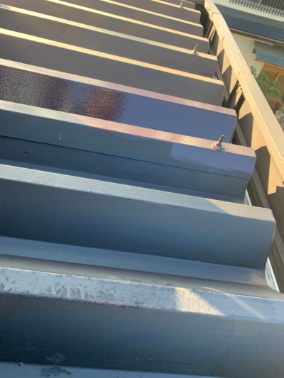 折半屋根の塗装事例