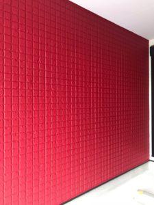外壁を赤く塗装
